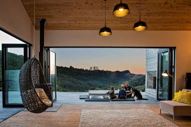 Ngôi nhà gỗ nhỏ thơ mộng bên đồi núi xanh tươi ai cũng mơ ước - Ảnh 8.