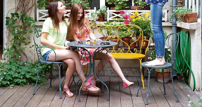 Học cách sử dụng những bộ bàn ghế cổ điển của người Pháp để ngôi nhà thật lãng mạn và quyến rũ - Ảnh 1.