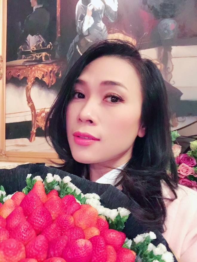 Soi nhất cử nhất động của sao Việt (28/12) - Ảnh 8.