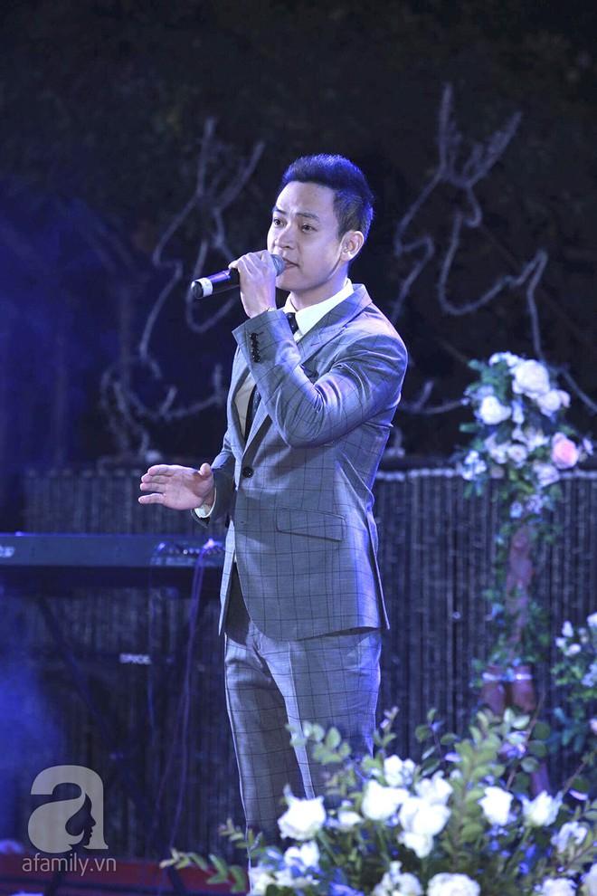 Nghi vấn Quán quân Vietnam Idol 2014 Nhật Thủy có bầu 4 tháng trong đám cưới với bạn doanh nhân - Ảnh 14.