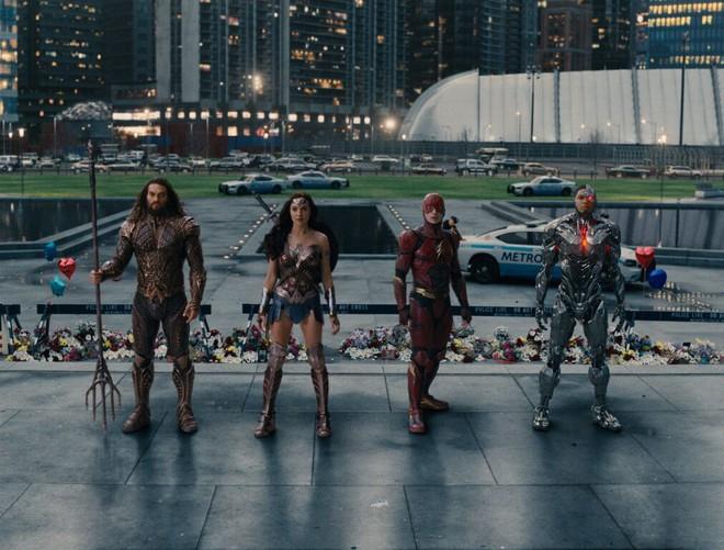 Điểm mặt dàn sao hùng hậu 'nhìn là muốn xem' của bom tấn 'Justice League'