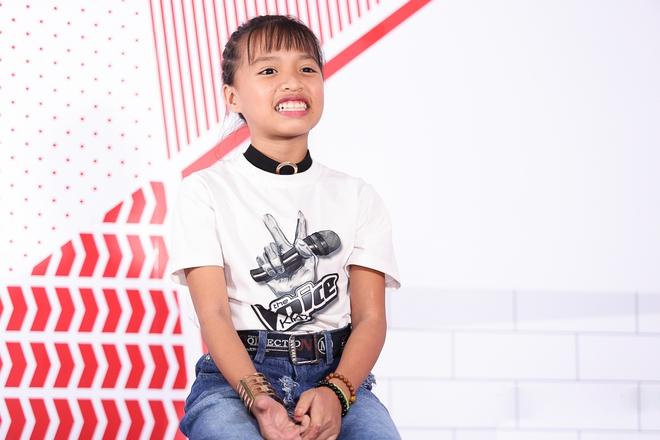 Cô bé hát lô tô Khả Vy: Con theo gánh lô tô vì đam mê và để kiếm tiền cho gia đình - Ảnh 6.
