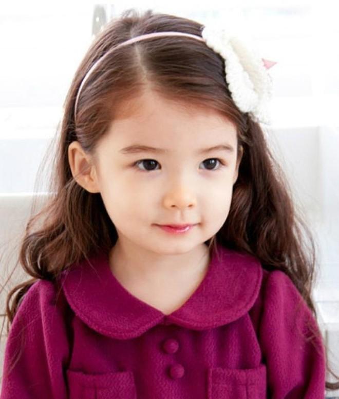Đừng suốt ngày khen con gái xinh đẹp nữa, có thể gây ảnh hưởng không tốt đến suy nghĩ của bé! - Ảnh 2.