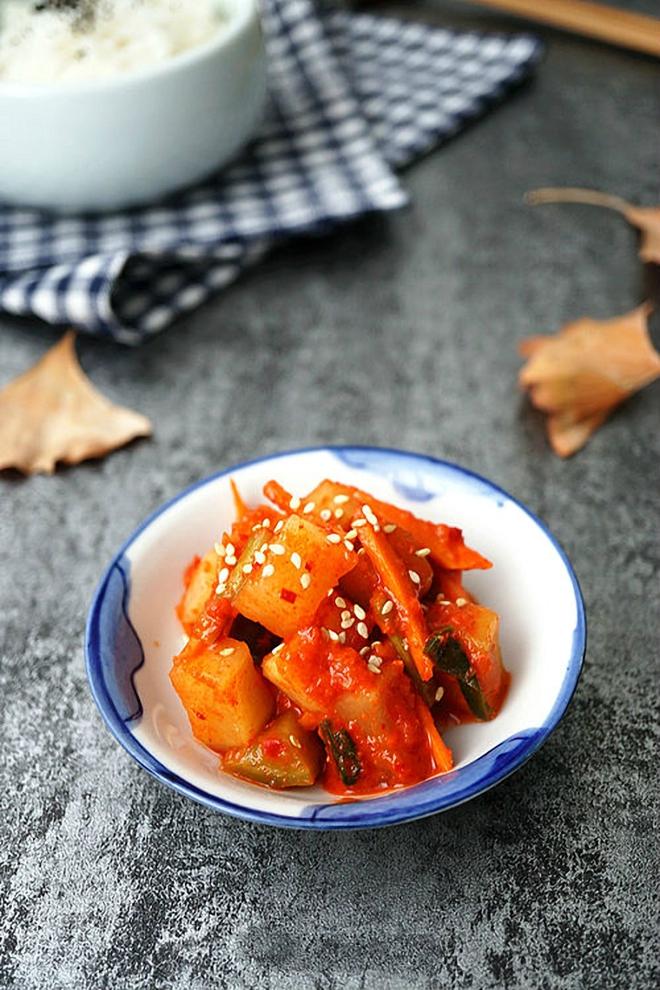 3 bước đơn giản làm kim chi củ cải chua giòn ăn với gì cũng ngon - Ảnh 4.