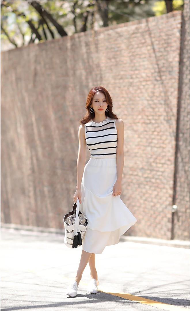 Hè này chân váy toàn những mẫu đã đẹp còn điệu khiến các nàng chẳng thể làm ngơ - Ảnh 11.