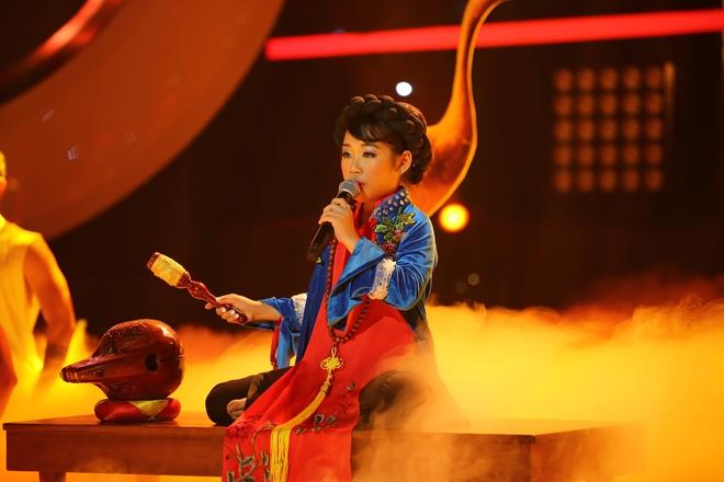 Phiên bản nhí của Hồng Nhung hát hay đến nỗi khiến Hoài Linh giật mình - Ảnh 2.