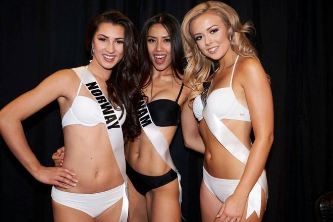 Nguyễn Thị Loan khoe đường cơ bụng khiến các thí sinh Âu Mỹ phải chạy dài trong đêm sơ kết Miss Universe 2017 - Ảnh 5.