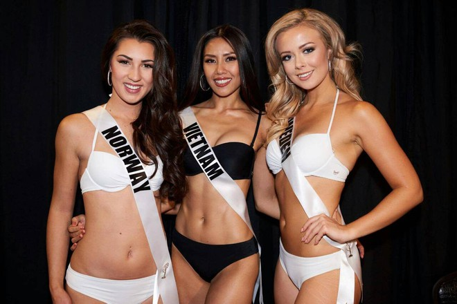 Nguyễn Thị Loan khoe đường cơ bụng khiến các thí sinh Âu Mỹ phải chạy dài trong đêm sơ kết Miss Universe 2017 - Ảnh 4.