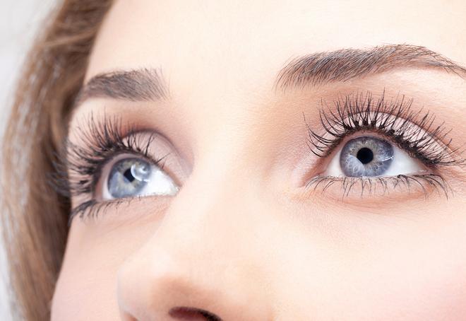8 dấu hiệu cho thấy đôi mắt bạn gặp vấn đề nên cần đi khám ngay - Ảnh 1.