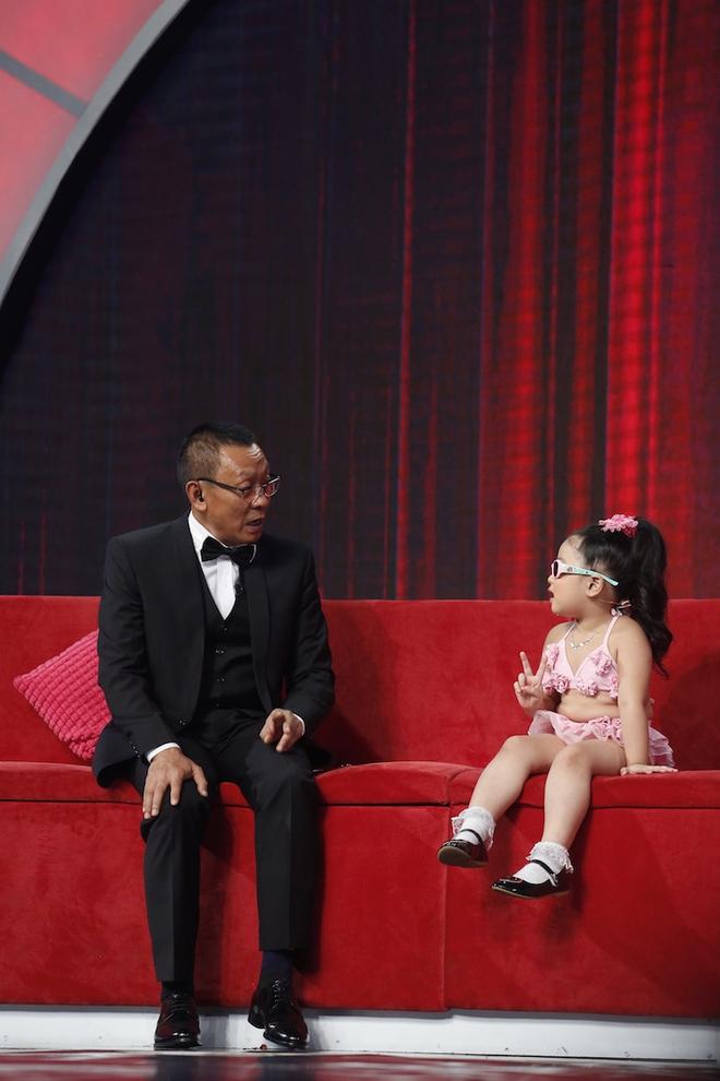 Hiện tượng piano 5 tuổi khiến Lại Văn Sâm phải xin lỗi cháu gái trên sóng truyền hình - Ảnh 7.
