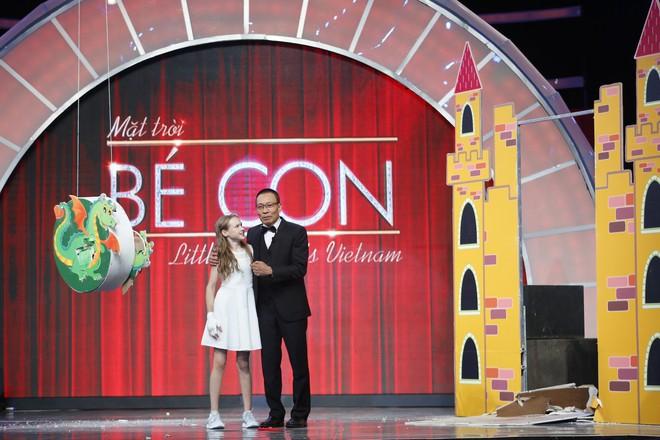 Cười nghiêng ngả xem Lại Văn Sâm đóng vai công chúa, chờ cô bé 10 tuổi đến giải cứu - Ảnh 6.