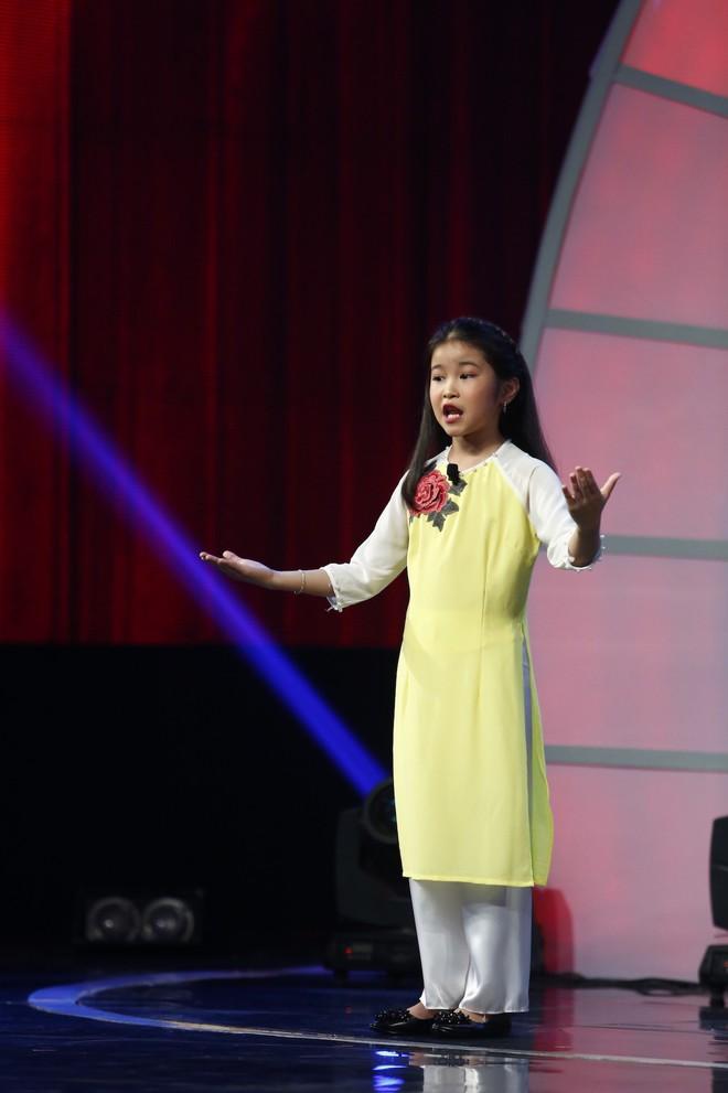 Lại văn Sâm choáng váng vì bé 7 tuổi kể chuyện yêu đương trên sóng truyền hình - Ảnh 10.