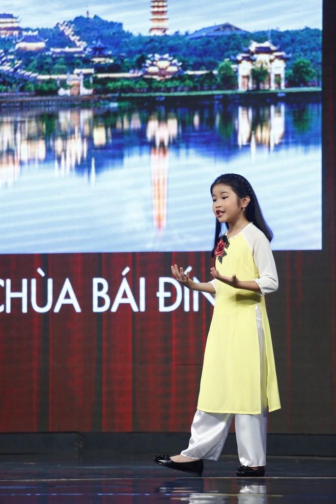 Lại Văn Sâm xấu hổ trước bé 9 tuổi đã làm hướng dẫn viên du lịch cho khách nước ngoài - Ảnh 3.