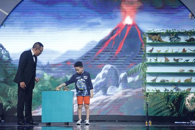 Nhà nghiên cứu khủng long 7 tuổi làm Lại Văn Sâm trầm trồ thán phục - Ảnh 4.