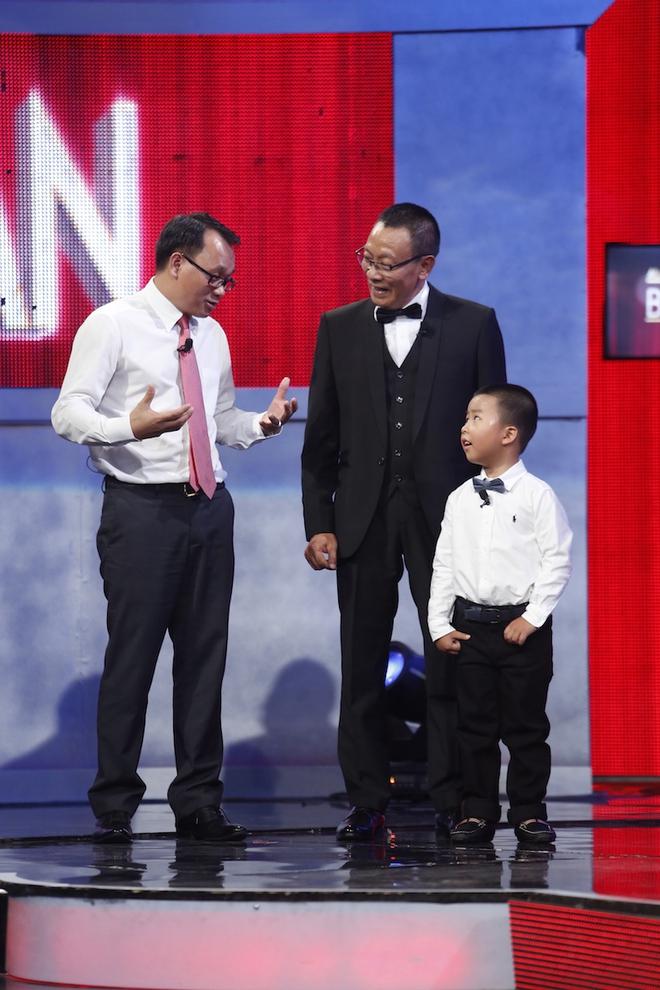 Hiện tượng piano 5 tuổi khiến Lại Văn Sâm phải xin lỗi cháu gái trên sóng truyền hình - Ảnh 3.