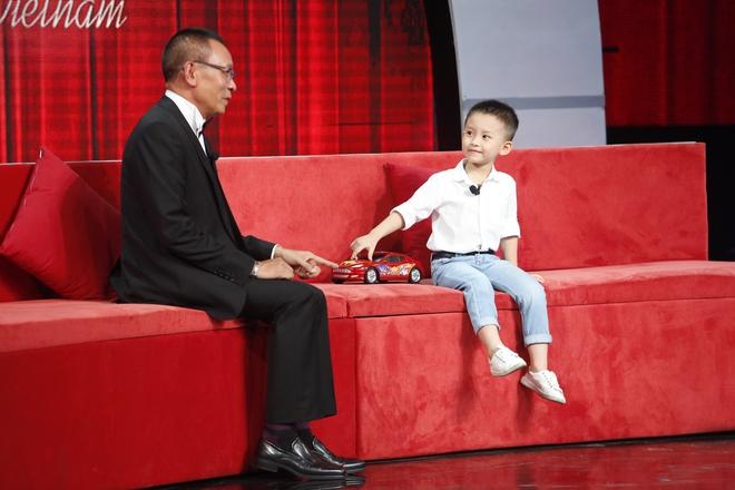 Lại Văn Sâm sửng sốt vì cậu bé 5 tuổi biết tất tần tật các loại xe hơi trên thế giới - Ảnh 3.