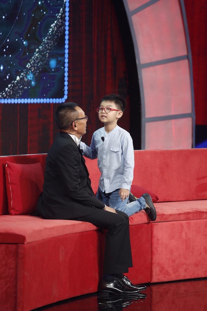 Hiện tượng piano 5 tuổi khiến Lại Văn Sâm phải xin lỗi cháu gái trên sóng truyền hình - Ảnh 11.