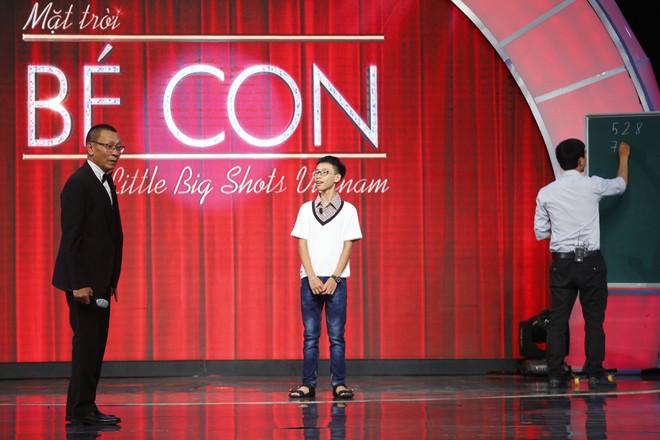 Lại Văn Sâm khen lấy khen để cậu bé Ấn Độ nhảy múa, diễn trò cực vui nhộn  - Ảnh 7.