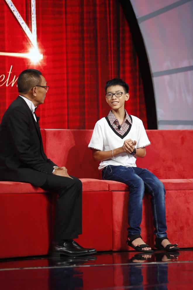 Lại Văn Sâm khen lấy khen để cậu bé Ấn Độ nhảy múa, diễn trò cực vui nhộn  - Ảnh 8.