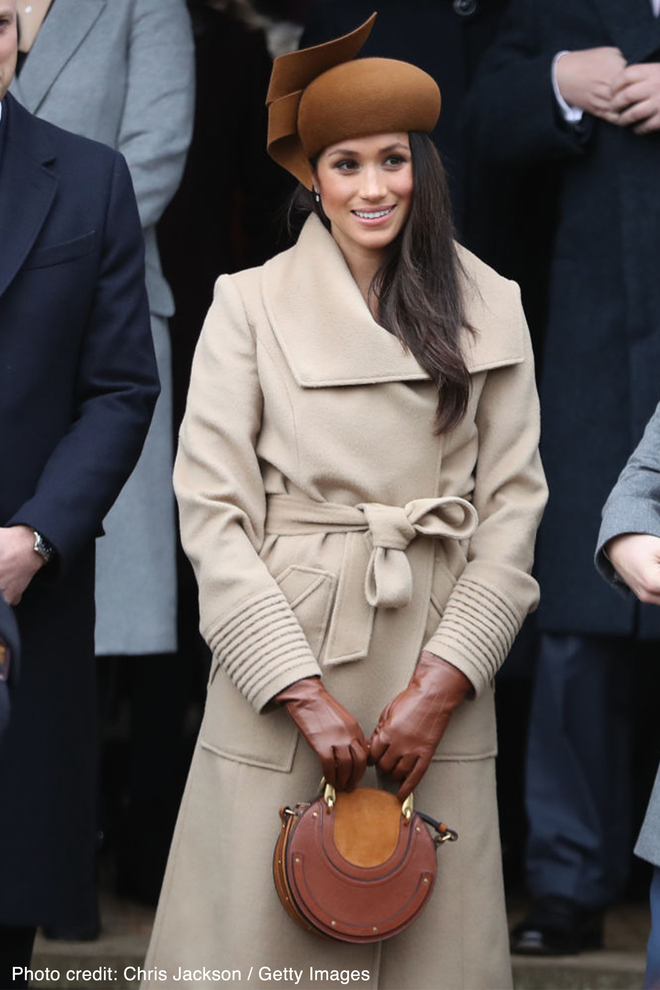 Cùng xuất hiện tại sự kiện, áo khoác mà Kate Middleton và tân Công nương mặc lại nhanh chóng được người ta tìm mua đến cháy hàng - Ảnh 5.