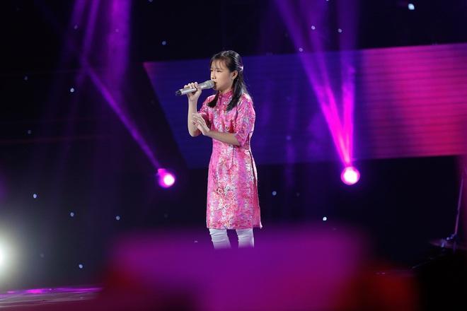 Cô bé 14 tuổi đốn tim khán giả bằng màn hát cải lương ngọt như mía lùi - Ảnh 1.