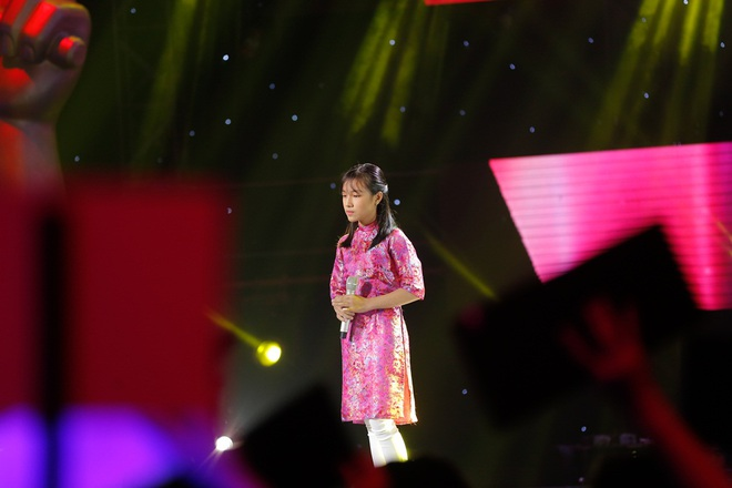 Cô bé 14 tuổi đốn tim khán giả bằng màn hát cải lương ngọt như mía lùi - Ảnh 3.