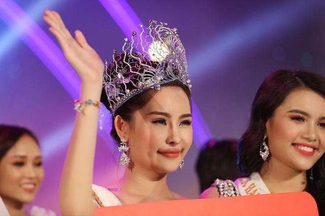 Ca sĩ Phương Vy khuyên tân Hoa hậu Đại Dương 2017: đâu phải Phạm Hương mà mơ - Ảnh 2.