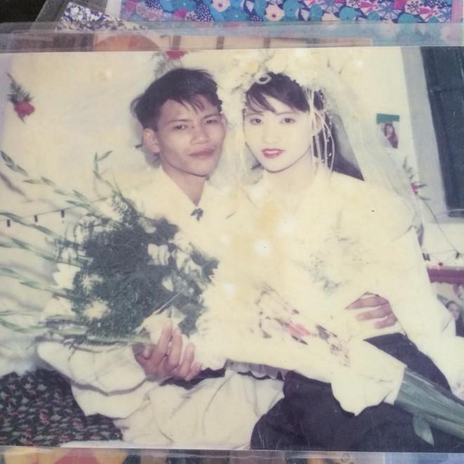Đám cưới chất chơi thời bố mẹ anh thập niên 90: Pháo nổ râm ran, cả làng chạy theo cô dâu chú rể - Ảnh 28.