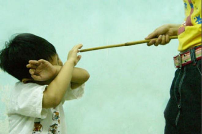 Dù có tức giận cỡ nào, cha mẹ không được đánh con trong 3 độ tuổi này - Ảnh 2.