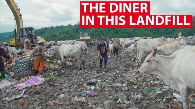 Nhà hàng quái đản nhất quả đất, mang rác đến đổi đồ ăn - Ảnh 1.