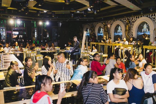 Ngô Kiến Huy - Khổng Tú Quỳnh hạnh phúc diện đồ ton-sur-ton - Ảnh 3.