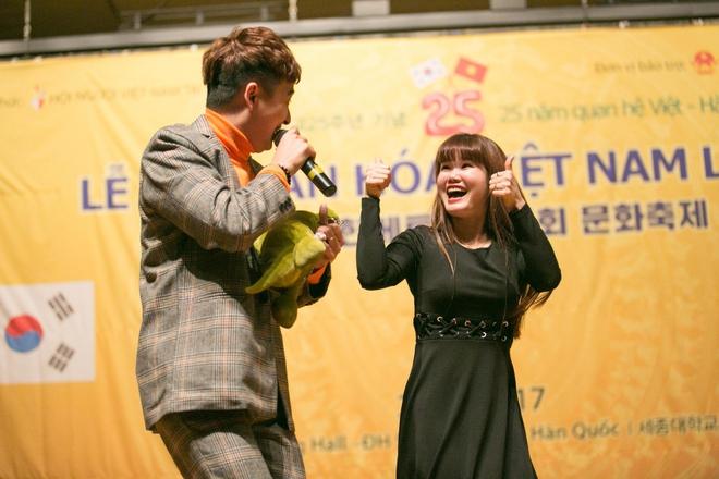 Kiều bào Hàn Quốc phát cuồng với sự đáng yêu của Ngô Kiến Huy - Ảnh 2.