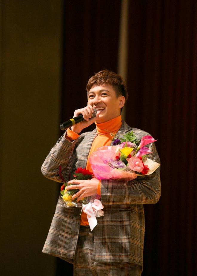 Kiều bào Hàn Quốc phát cuồng với sự đáng yêu của Ngô Kiến Huy - Ảnh 5.