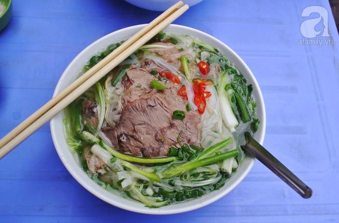 CNN 'lên list' 10 món ăn đường phố siêu phổ biến lại ngon nức tiếng của Việt Nam