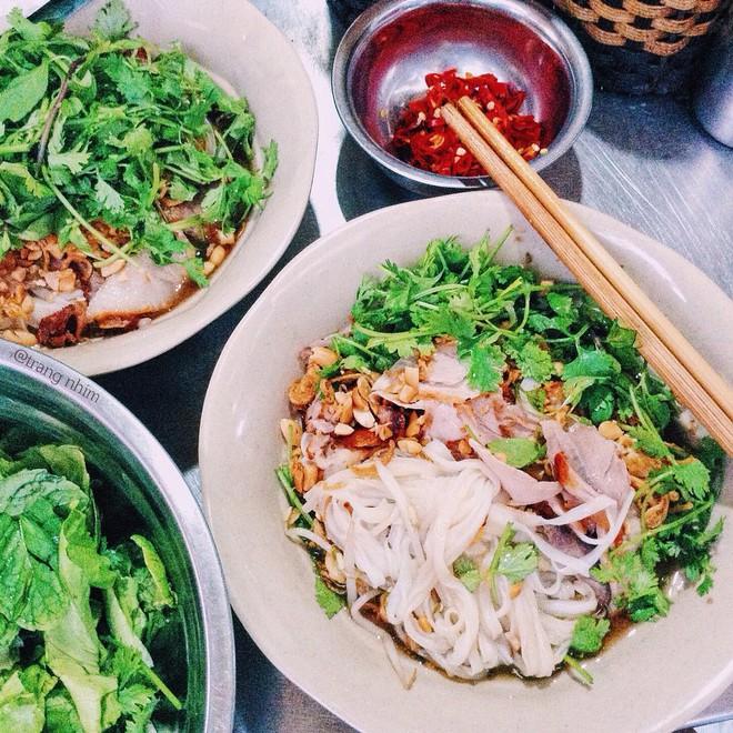 8 món ăn thần thánh giúp bạn chống chọi với thời tiết rán trứng giữa đường của Hà Nội - Ảnh 22.