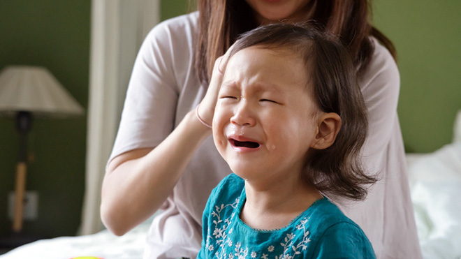 Có thể bạn không tin, nhưng một củ khoai tây có thể trị được cơn ăn vạ, khóc lóc của trẻ rất hiệu quả - Ảnh 1.