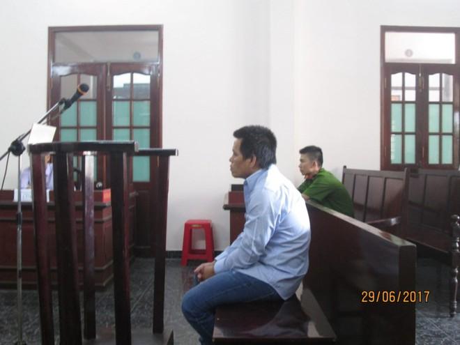 Giữa Sài Gòn, một cháu bé 3 lần bị bắt cóc - Ảnh 1.