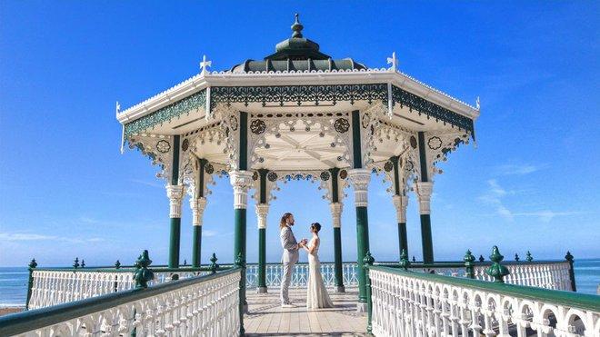 Cặp vợ chồng phù phiếm không ổn định làm ăn, sinh con mà đưa nhau đi khắp thế gian làm 100 đám cưới - Ảnh 20.