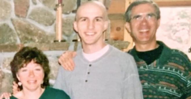 22 năm trước bị mẹ ép làm một chuyện không hề muốn, giờ đây người đàn ông thầm cảm ơn bà vì điều đó - Ảnh 2.