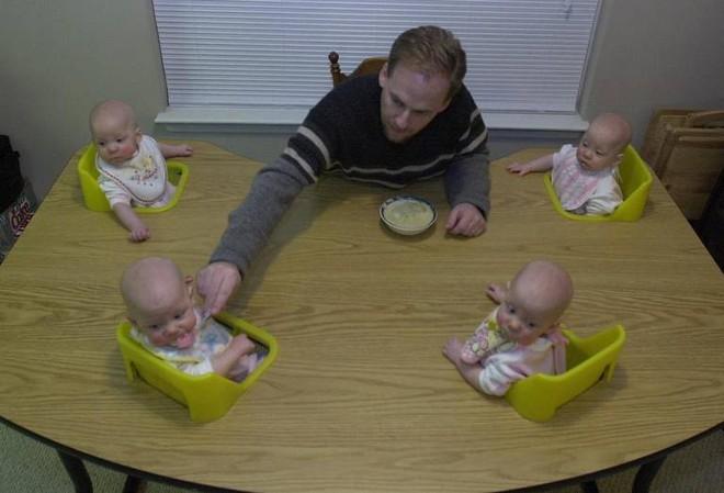 """Chị em sinh 4 với điệu cười """"cân"""" cả thế giới nay đã thành thiếu nữ cả rồi - Ảnh 2."""