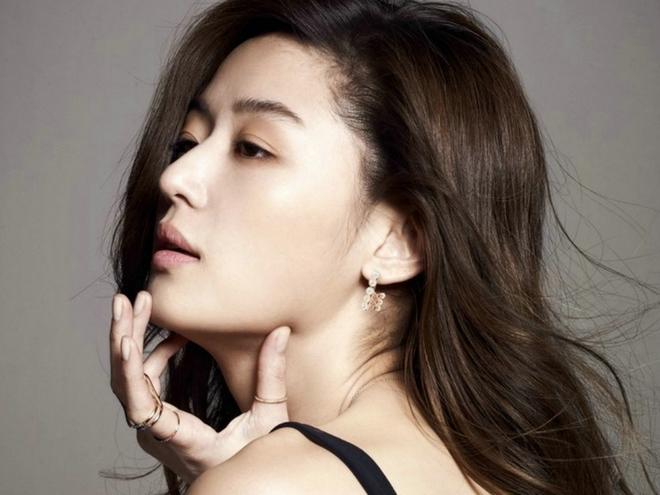 """15 năm qua, những bí quyết này đã giúp """"cô nàng ngổ ngáo"""" Jun Ji Hyun chỉ mãi đẹp lên chứ chẳng hề già đi - Ảnh 4."""