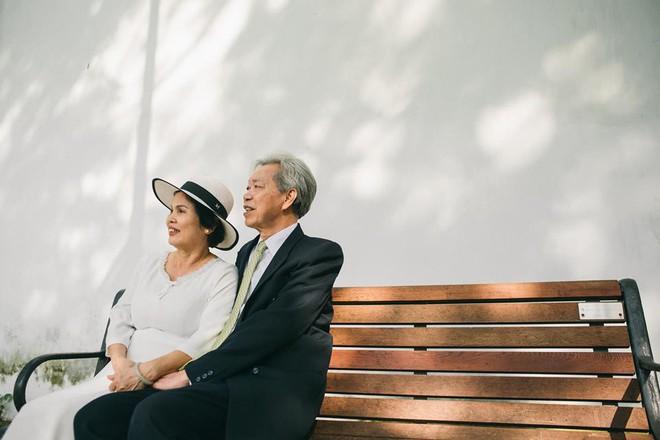 45 năm ông bà anh yêu nhau từ thời chẳng có gì đến tuổi thất thập và bộ ảnh cưới tình hơn tụi trẻ - Ảnh 2.