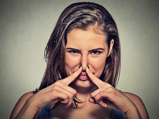 Mùi cơ thể tiết lộ sức khoẻ của bạn - Ảnh 1.