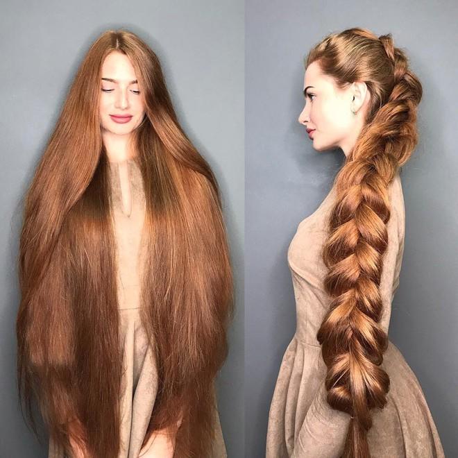 Từng bị rụng tóc đến hói cả đầu, nhờ những bí quyết nhỏ này cô gái Nga đã trở thành nàng Rapunzel đời thực vạn người mê - Ảnh 1.