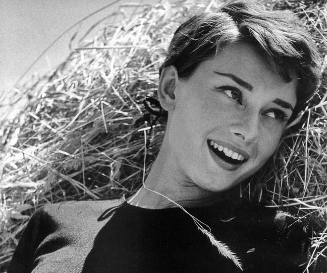 Bí mật thân hình mảnh khảnh của biểu tượng nhan sắc Audrey Hepburn, được tiết lộ bởi chính con trai ruột của bà - Ảnh 7.