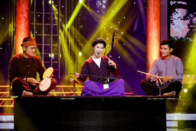 Vừa hát vừa kéo đàn nhị, Hoàng Yến Chibi khiến Đức Huy nghẹn ngào - Ảnh 3.