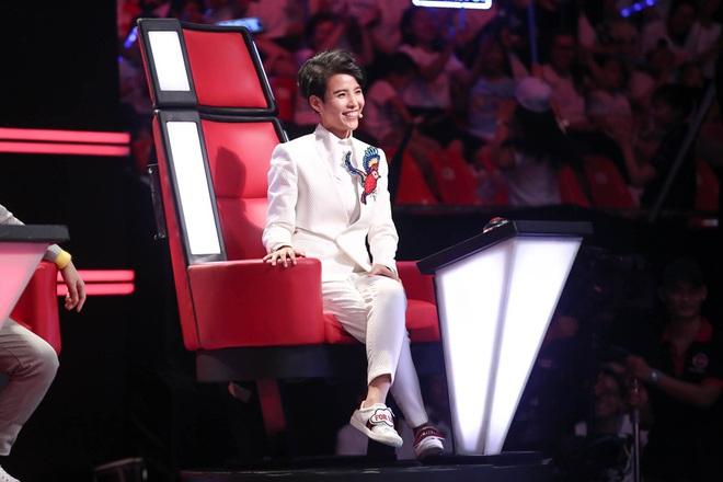 Cậu bé nông dân gây chấn động Giọng hát Việt nhí vì hát chầu văn quá mức xuất sắc - Ảnh 7.