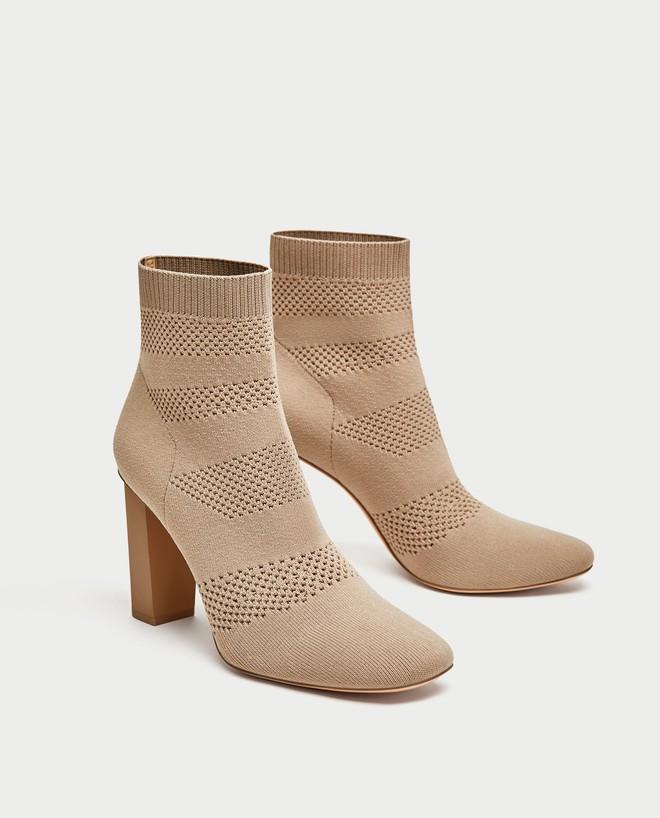Thu/Đông này, không phải blazer, những đôi giày kiêm tất mới là món đồ đang chiếm lĩnh tủ đồ của sao Việt - Ảnh 2.