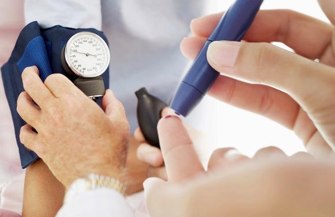 10 nguyên nhân gây ra bệnh rối loạn nhịp tim bạn nên biết - Ảnh 3.