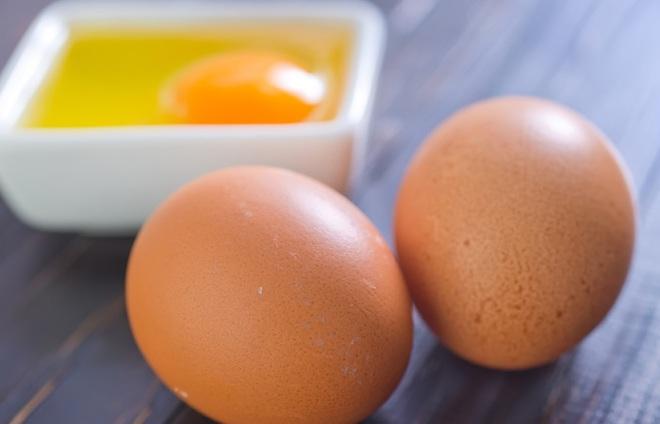 Ăn trứng gà khi mang thai sẽ sinh con da trắng bóc và thông minh hơn người? - Ảnh 2.